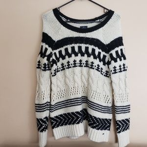 American Eagle Oversized Cable Knit Sweater XS  E3